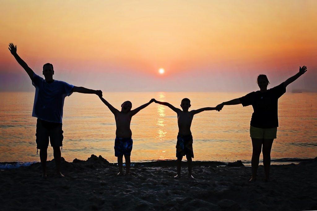 ensine a família sobre finanças