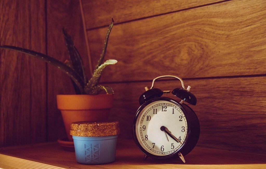 como dormir melhor e parar de procrastinar